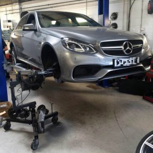 mercedes-benz-e63-brake-disc-skimming