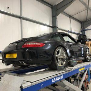 porsche-911-carrera4s-hr-suspension-upgrade (2)